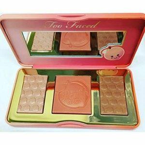 Too Faced Makeup - ❤🍑Illuminating  Peach Palette